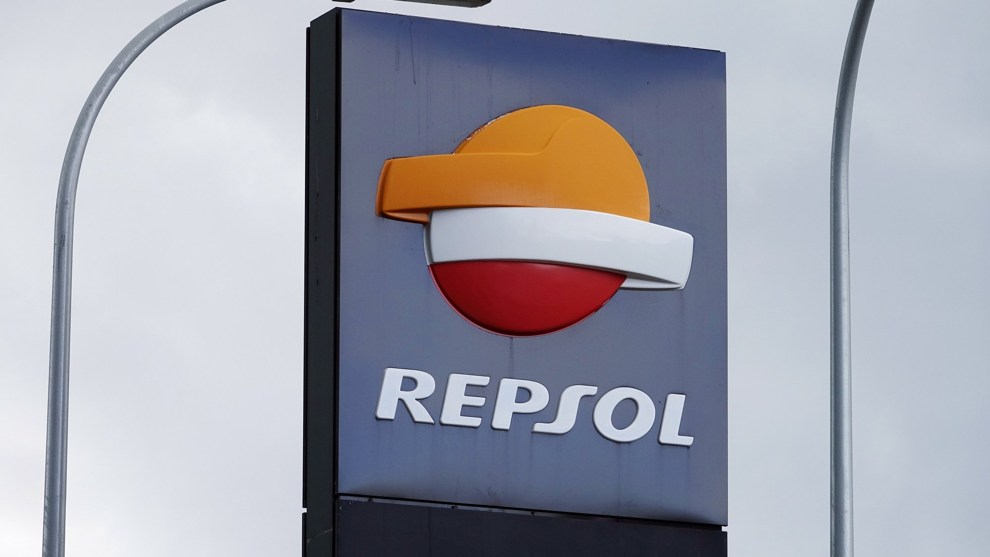epa08562823 (FILE) - A general view of signage at a Repsol service station in Malaga, Spain, 16 October 2018 (reissued 23 July 2020). Repsol on 23 July 2020 released their first half-year 2020 results saying they posted an adjusted net income of 189 million euros for the first half of 2020 amid the Covid-19, coronavirus pandemic. Repsol said the pandemic that led to a historic fall in oil and gas prices resulted in a negative impact of 1.088 billion euros on the companys inventories as the company adjusted its price curves that in turn affected the book value of its Upstream assets and is reflected in special item results of -1.585 billion euros. As a result of the above, net income in the first half-year stood at -2.484 billion euros.  EPA/MAURITZ ANTIN *** Local Caption *** 54740854