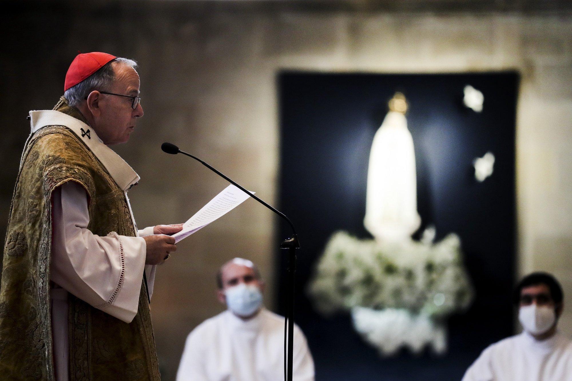 O Cardeal patriarca de Lisboa, Manuel Clemente, presidiu à missa do Dia de Natal na Sé Patriarcal de Lisboa, 25 de dezembro de 2020. TIAGO PETINGA/LUSA