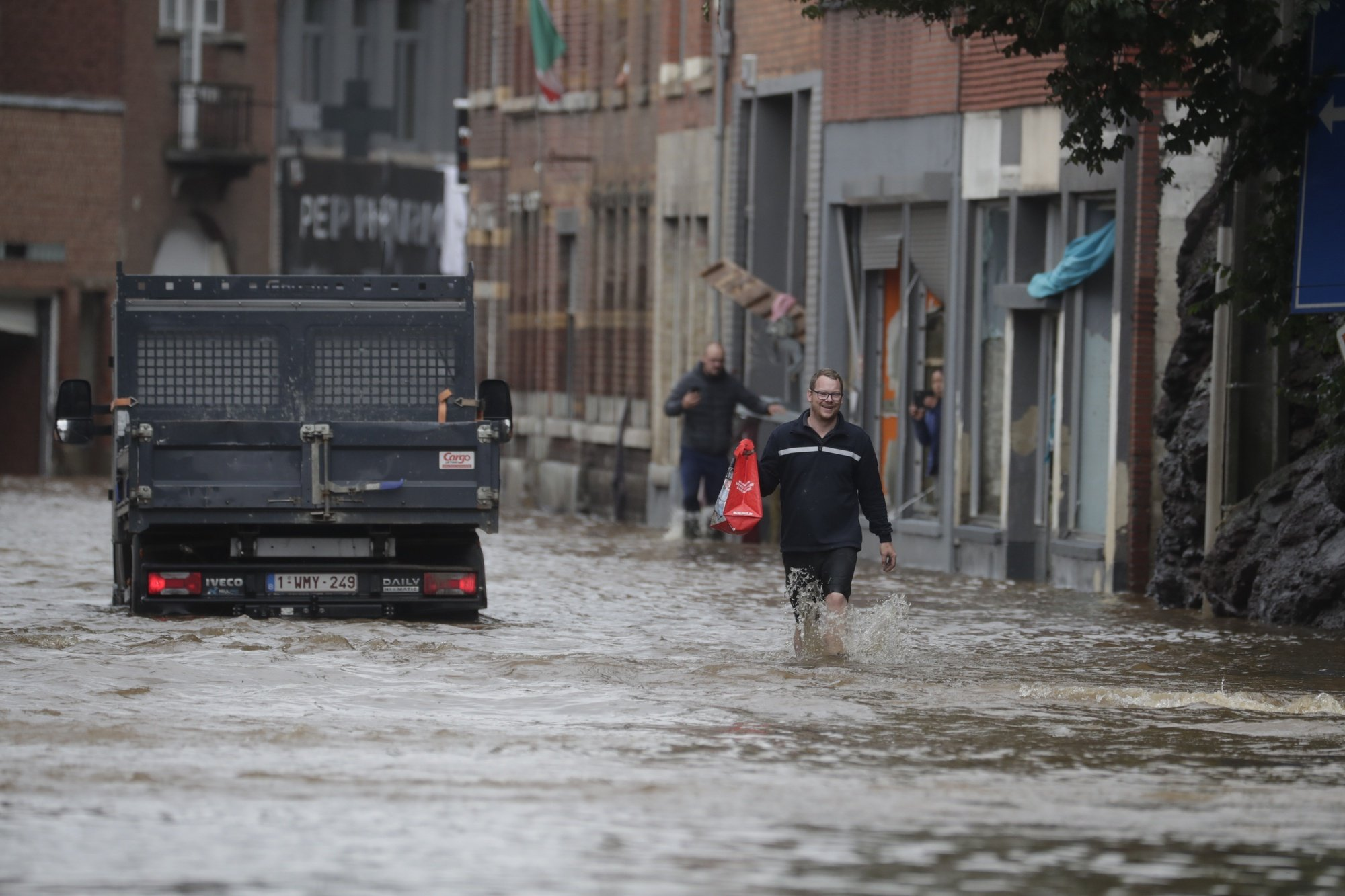 epa09348418 Flooding after heavy rains in Pepinster, near, Verviers, Belgium, 16 July 2021. Heavy rains have caused widespread damage and flooding in parts of Belgium.  EPA/STEPHANIE LECOCQ