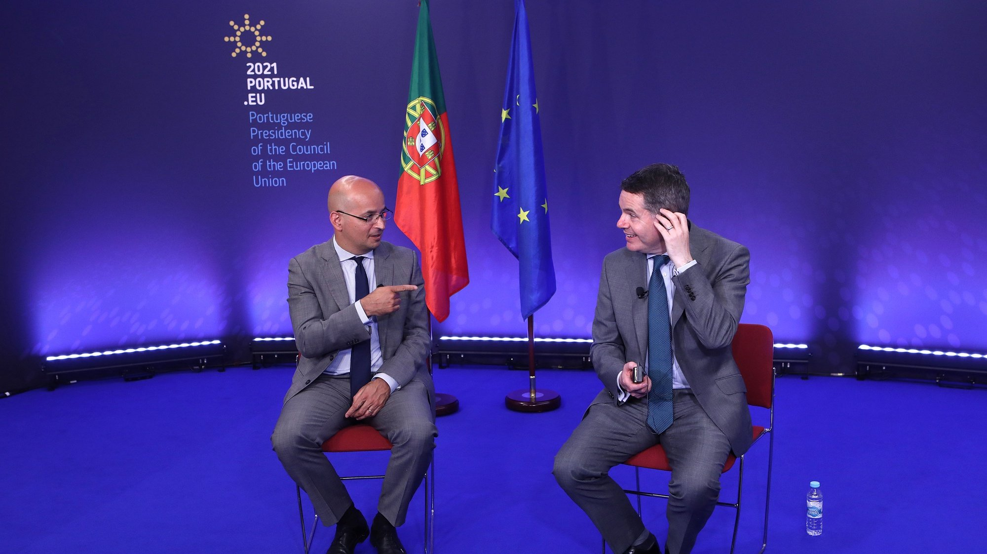 Entrevista conjunta ao ministro das Finanças, João Leão (E), presidente em exercício do Conselho de Assuntos Económicos e Financeiros (ECOFIN) e ao presidente do Eurogrupo, Paschal Donohoe (D), ministro das Finanças e ministro das Despesas Públicas e da Reforma da Irlanda, no Centro Cultural de Belém, em Lisboa, 20 de maio de 2021. (ACOMPANHA TEXTO DE 21/05/2021) ANTÓNIO PEDRO SANTOS/LUSA
