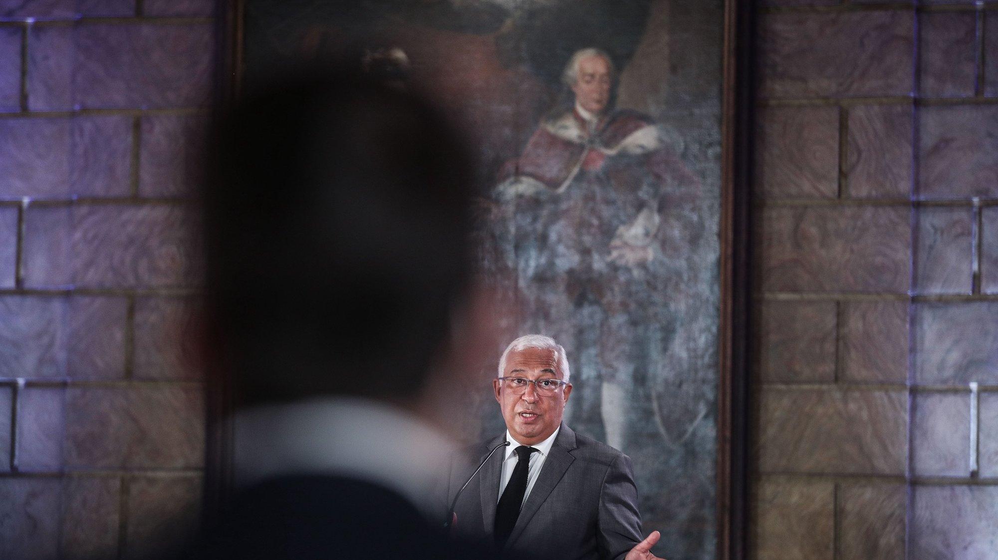 """O primeiro-ministro, António Costa, participa na cerimónia de assinatura do acordo sobre """"Formação Profissional e Qualificação: um desígnio estratégico para as Pessoas, para as Empresas e para o País"""", no Museu Nacional dos Coches, em Lisboa, 28 de julho de 2021. MÁRIO CRUZ/LUSA"""