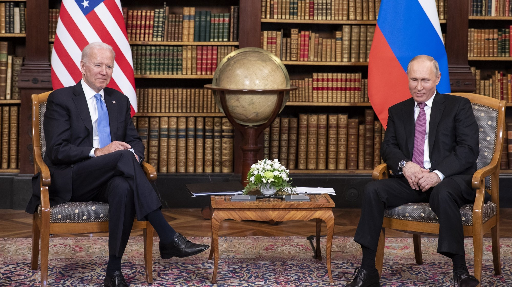 epa09277245 US President Joe Biden and Russian President Vladimir Putin during the US-Russia summit in Geneva, Switzerland, 16 June 2021.  EPA/PETER KLAUNZER / POOL