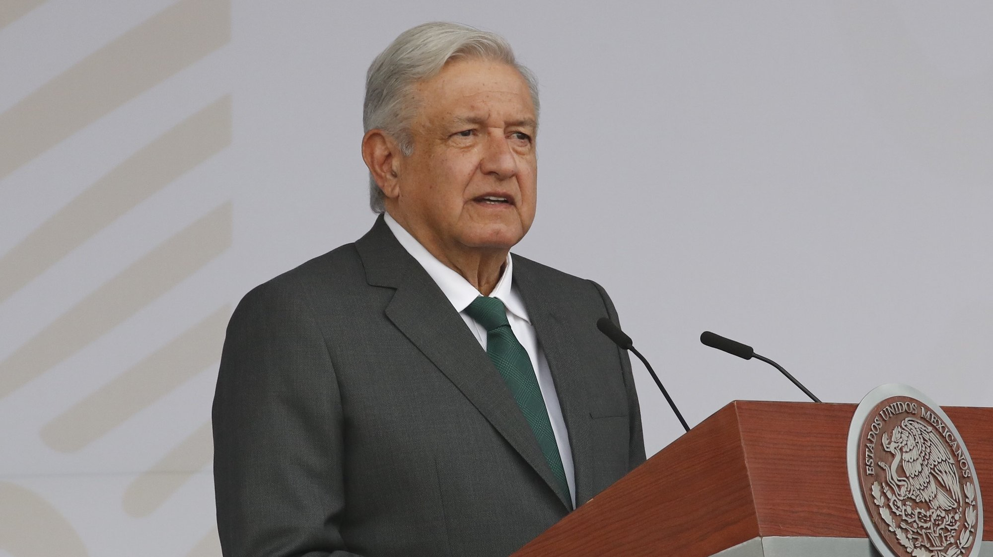 epa09471734 Mexican President Andres Manuel Lopez Obrador participates in a military parade organized to mark the 211th anniversary of Mexico's independence from Spain, in the Zocalo square of Mexico City, Mexico, 16 September 2021.  EPA/Jose Mendez