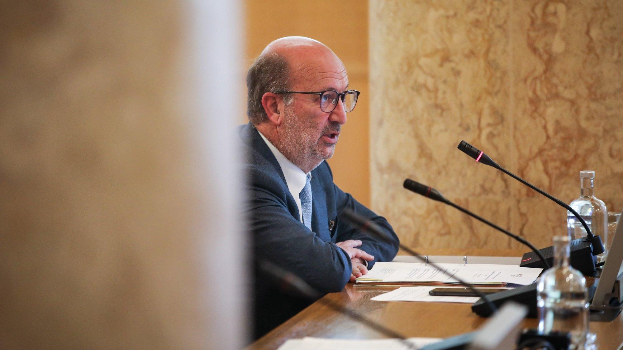 O ministro do Ambiente e da Ação Climática, João Pedro Matos Fernandes, durante a Comissão de Ambiente, Energia e Ordenamento do Território, na Assembleia da República, em Lisboa, 11 de maio de 2021. ANDRÉ KOSTERS/LUSA