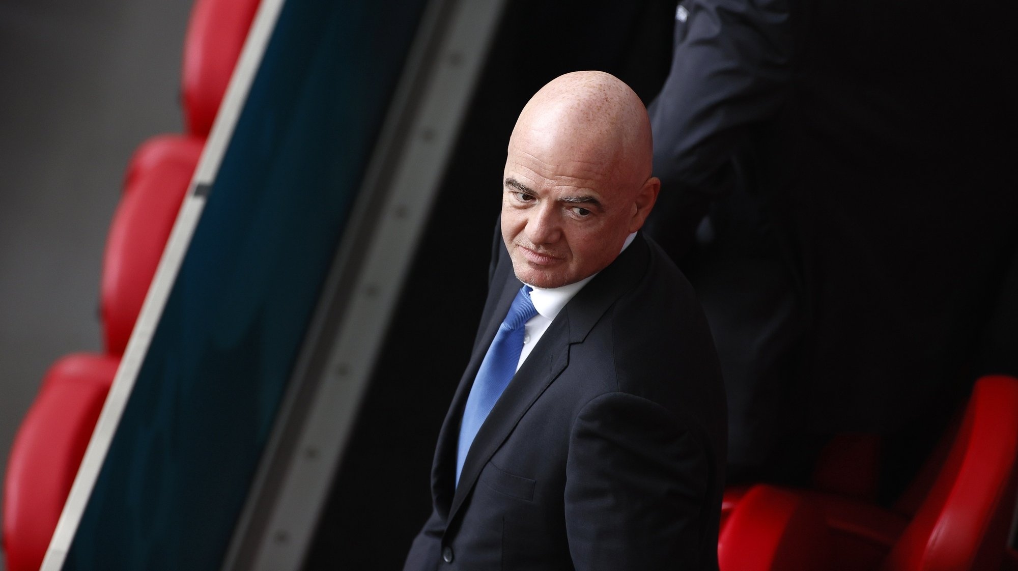 epa09280804 FIFA president Gianni Infantino attends the UEFA EURO 2020 preliminary round group C soccer match between the Netherlands and Austria in Amsterdam, Netherlands, 17 June 2021.  EPA/Koen van Weel / POOL (RESTRICTIONS: For editorial news reporting purposes only. Images must appear as still images and must not emulate match action video footage. Photographs published in online publications shall have an interval of at least 20 seconds between the posting.)