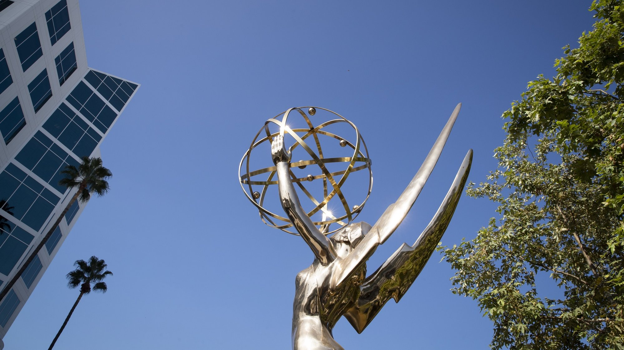epa09470509 A large Emmy statuette is displayed during a press preview for the 2021 Emmy Awards telecast at the Television Academy in Los Angeles, California, USA, 15 September 2021. The preview included drinks, food and show elements that will be present for nominees and guests at the 73rd Emmy Awards telecast on 19 September 2021.  EPA/CAROLINE BREHMAN