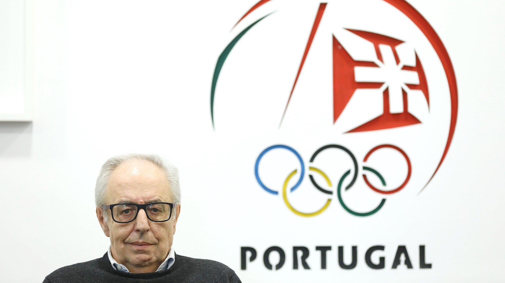 """O presidente do Comité Olímpico de Portugal, José Manuel Constantino, defendeu que o Governo tem deixado o desporto """"abandonado"""" e """"desprezado"""" durante a pandemia de covid-19, alertando para uma quebra """"muito significativa"""", estimada em 52%, nos indicadores da prática desportiva no país, em Lisboa, 14 de dezembro de 2020. Embora alerte há meses – sem sucesso - para os gravosos impactos do novo coronavírus no desporto nacional, o dirigente prometeu, na entrevista à agência Lusa, que não vai desistir de tentar sensibilizar o executivo de António Costa para a crise do setor, """"mesmo que o resultado não seja imediato"""". (ACOMPANHA TEXTO DE 24/12/2020) ANTÓNIO PEDRO SANTOS/LUSA"""