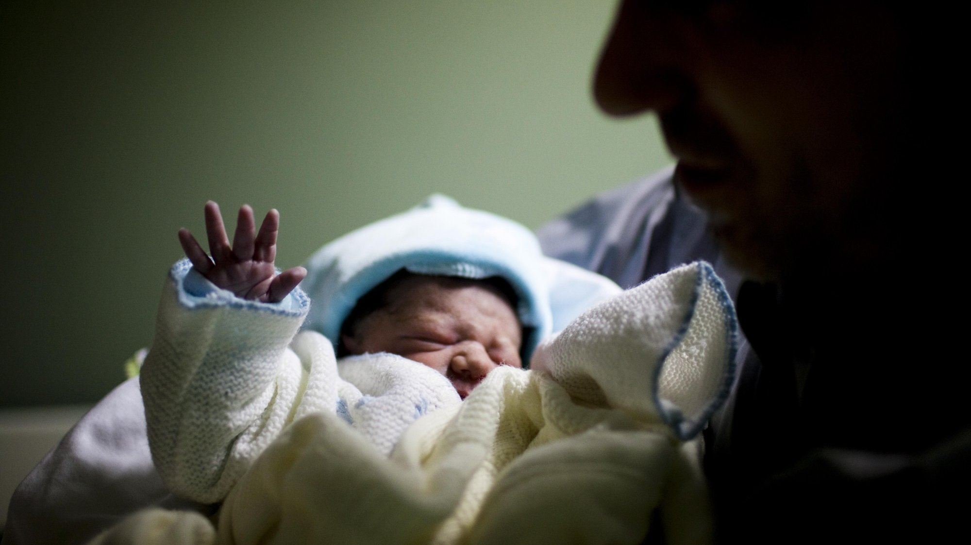 Lusa_Covid-19: Hospital de Aveiro volta a permitir visita do pai a recém-nascidos