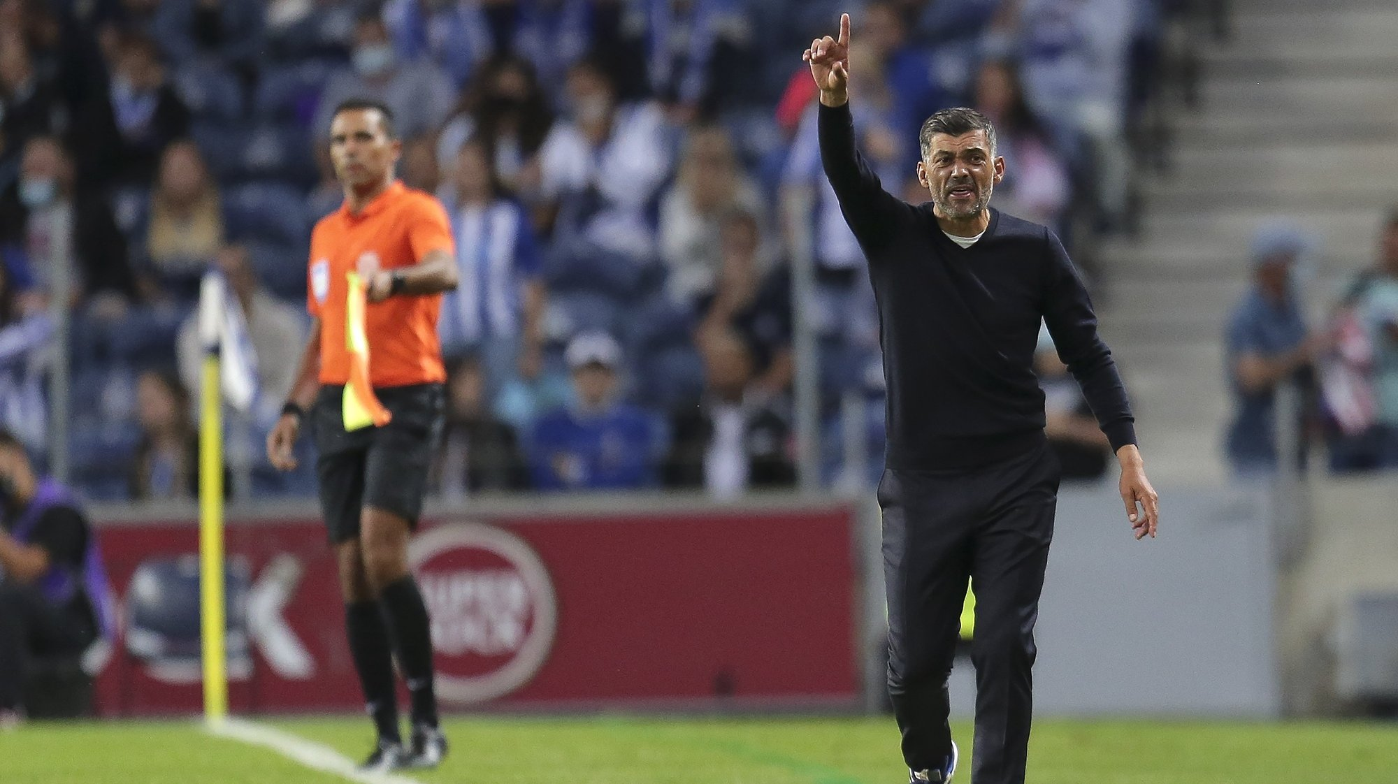 FC Porto head coach Sergio Conceicao reacts during their Portuguese First League soccer match against Moreirense held at Dragao Stadium in Porto, Portugal, 19th September 2021. MANUEL FERNANDO ARAUJO/LUSA