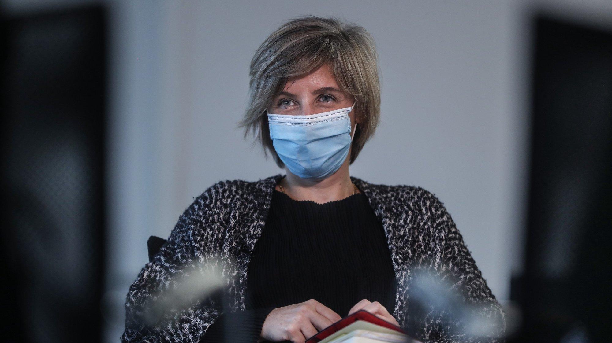 A ministra da Saúde, Marta Temido, durante uma entrevista à Agência Lusa, no Ministério da Saúde, em Lisboa, 26 de fevereiro de 2021. (ACOMPANHA TEXTO DO DIA 1 DE MARÇO DE 2021) MÁRIO CRUZ/LUSA