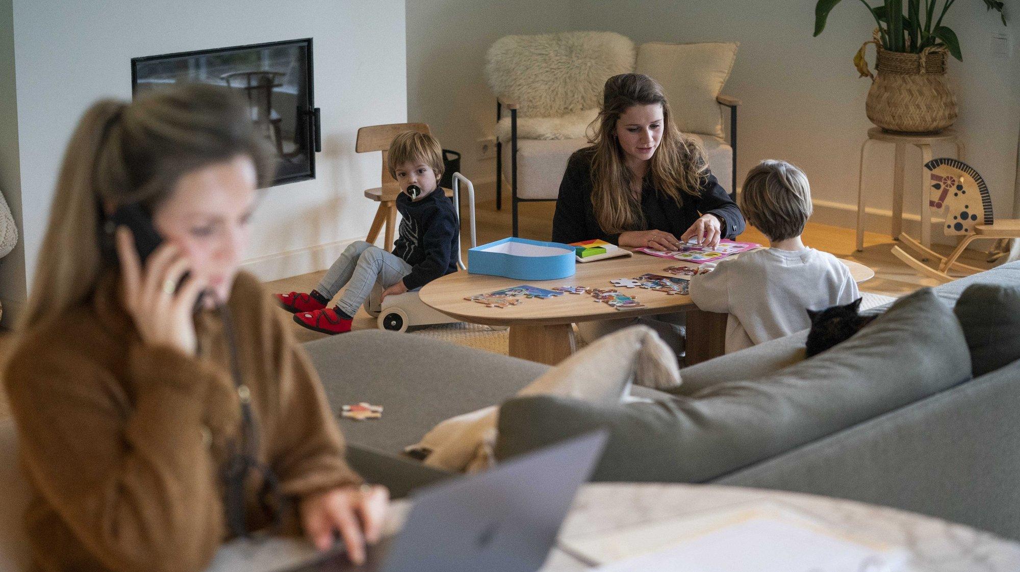 Lusa_BE quer que pais de crianças até 12 anos possam optar pelo teletrabalho