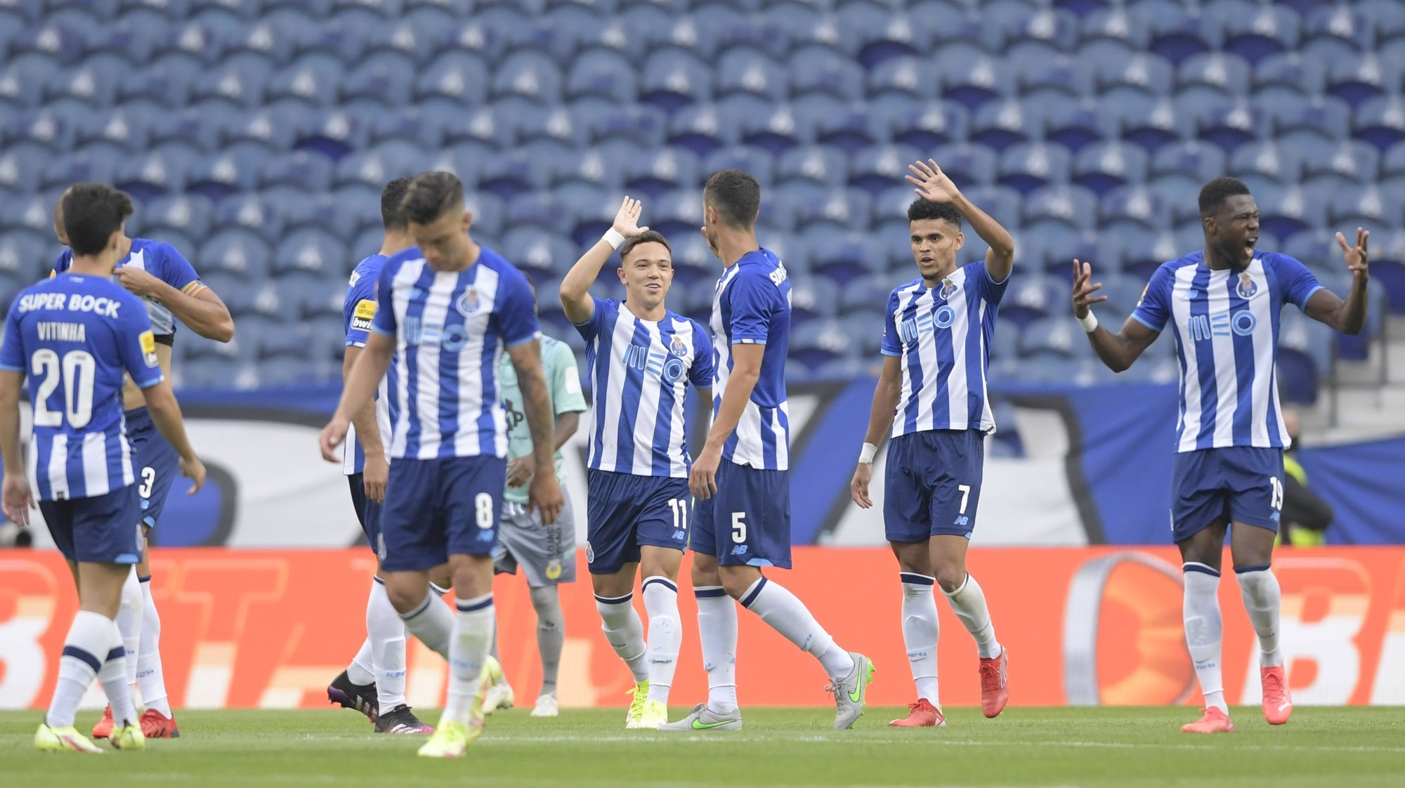 FC Porto's players celebrate a goal scored to Arouca, during their Portuguese First League soccer match held at Dragao stadium in Porto, northwest of Portugal, 28 august 2021. FERNANDO VELUDO/LUSA