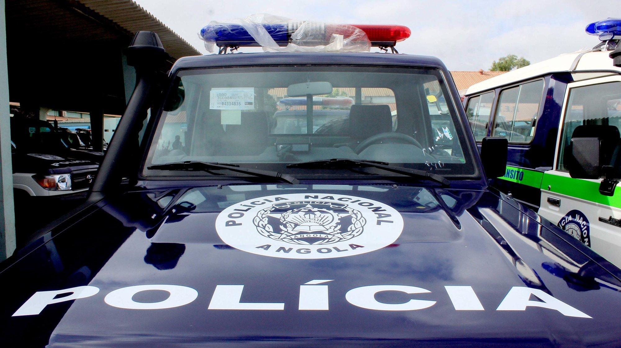 Entrega de viaturas à polícia em cerimónia presidida pelo ministro do Interior angolano, Ângelo de Barros Veiga Tavares (ausente da foto), no âmbito da prevenção e combate à criminalidade, Luanda, Angola, 4 de dezembro de 2018.  AMPE ROGÉRIO/LUSA