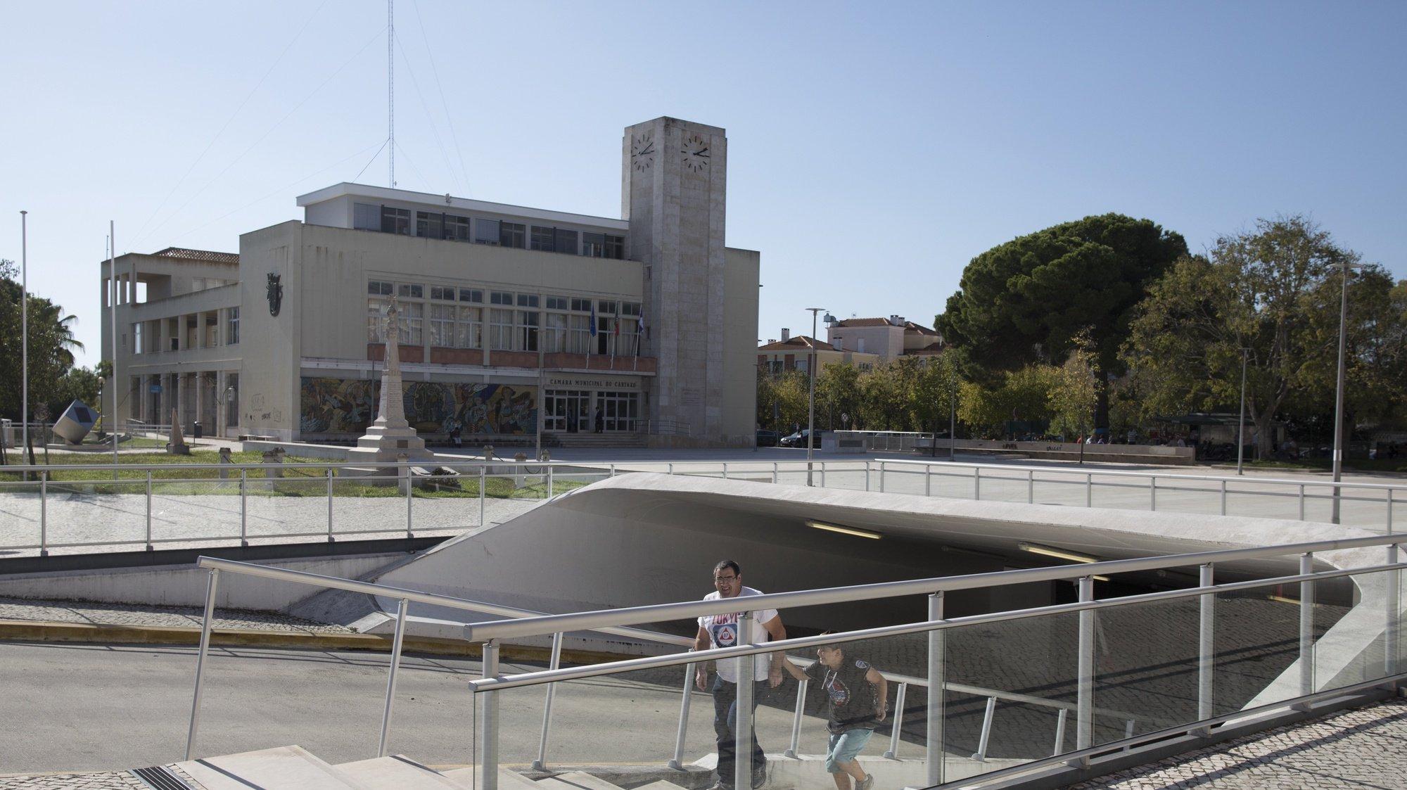 Parque de estacionamento subterrâneo e edifício da Câmara Municipal do Cartaxo, 24 de outubro de 2017. PAULO CUNHA / LUSA