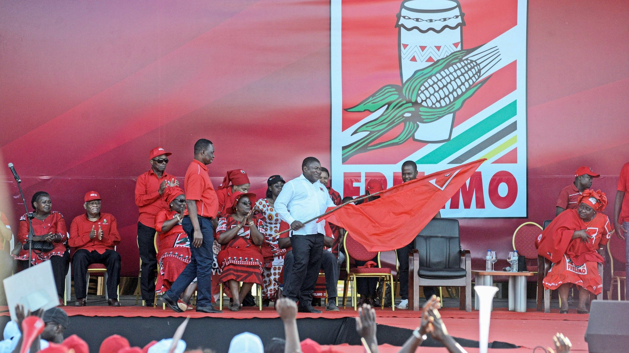epa07915938 The President of Mozambique Liberation Front (Frelimo) and presidential candidate Filipe Nyusi attends a rally on the last day of the campaign, in Matola, outskirts of Maputo, Mozambique, 12 October 2019. Elections will be held on 15 October.  EPA/ANTONIO SILVA