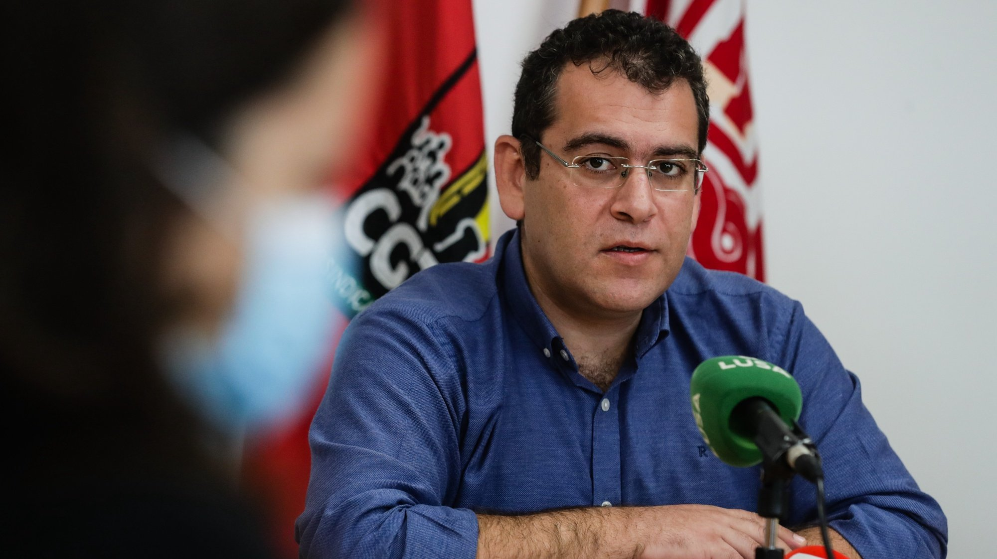 O coordenador da Frente Comum de Sindicatos da Administração Pública, Sebastião Santana, participa na conferência de imprensa da Frente Comum, na sede em Lisboa, 26 de outubro de 2020. TIAGO PETINGA/LUSA