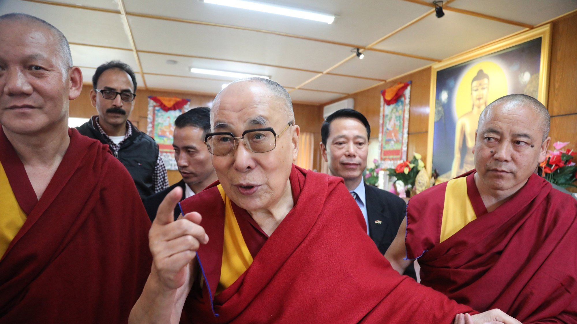 epa07948873 Tibetan spiritual leader the Dalai Lama (C), during an event to meet students and faculty members of the educational course on Ancient Indian Wisdom at Dharamsala, India, 25 October 2019. The Government College Dharamsala has recently started a 6-month certificate course in Ancient Indian Wisdom which has been approved by the Himachal Pradesh government's educational body.  EPA/SANJAY BAID
