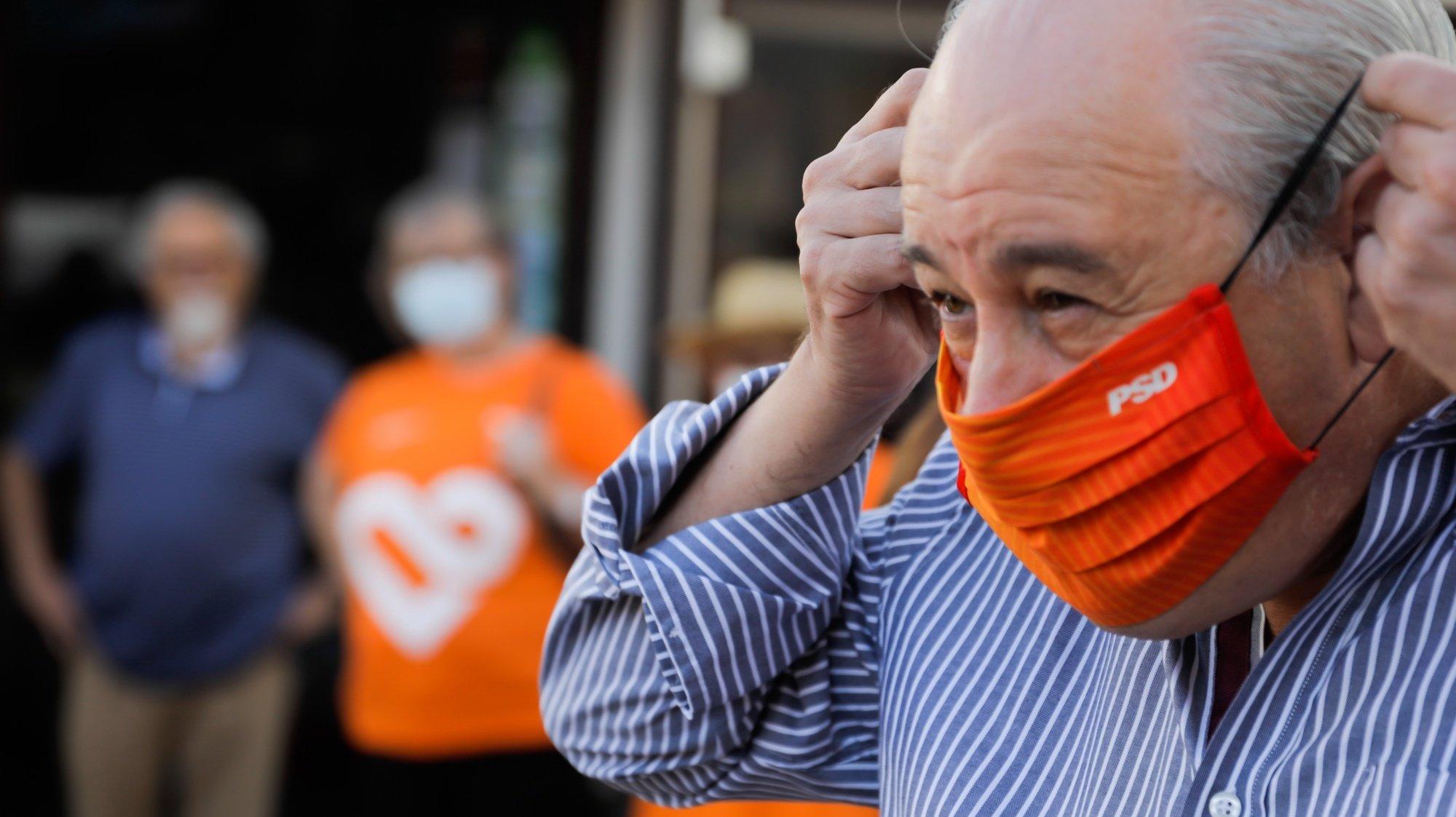 O presidente do Partido Social Democrata (PSD), Rui Rio, durante uma ação de campanha no âmbito das Eleições autárquicas 2021, em Porto de Mós, 10 de setembro de 2021. PAULO CUNHA/LUSA