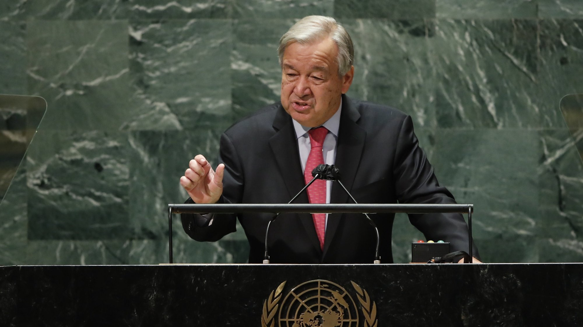 epa09479318 United Nations Secretary-General Antonio Guterres addresses the 76th Session of the UN General Assembly in New York City, USA, 21 September 2021.  EPA/EDUARDO MUNOZ / POOL