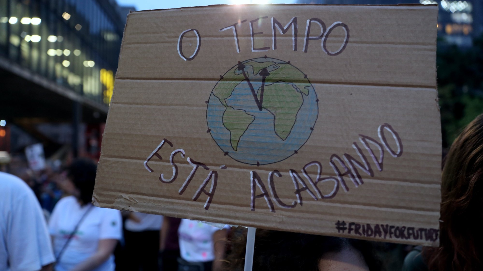 epa07857621 Dozens of people demonstrate on the occasion of the global climate strike, in Sao Paulo, Brazil, 20 September 2019. Millions of people around the world are participating in protests to demand concrete action on climate issues. The global climate strike is held only a few days before the UN Climate Summit, to be held in New York and attended by Fridays For Future representative activist Greta Thunberg.  EPA/Fernando Bizerra Jr.