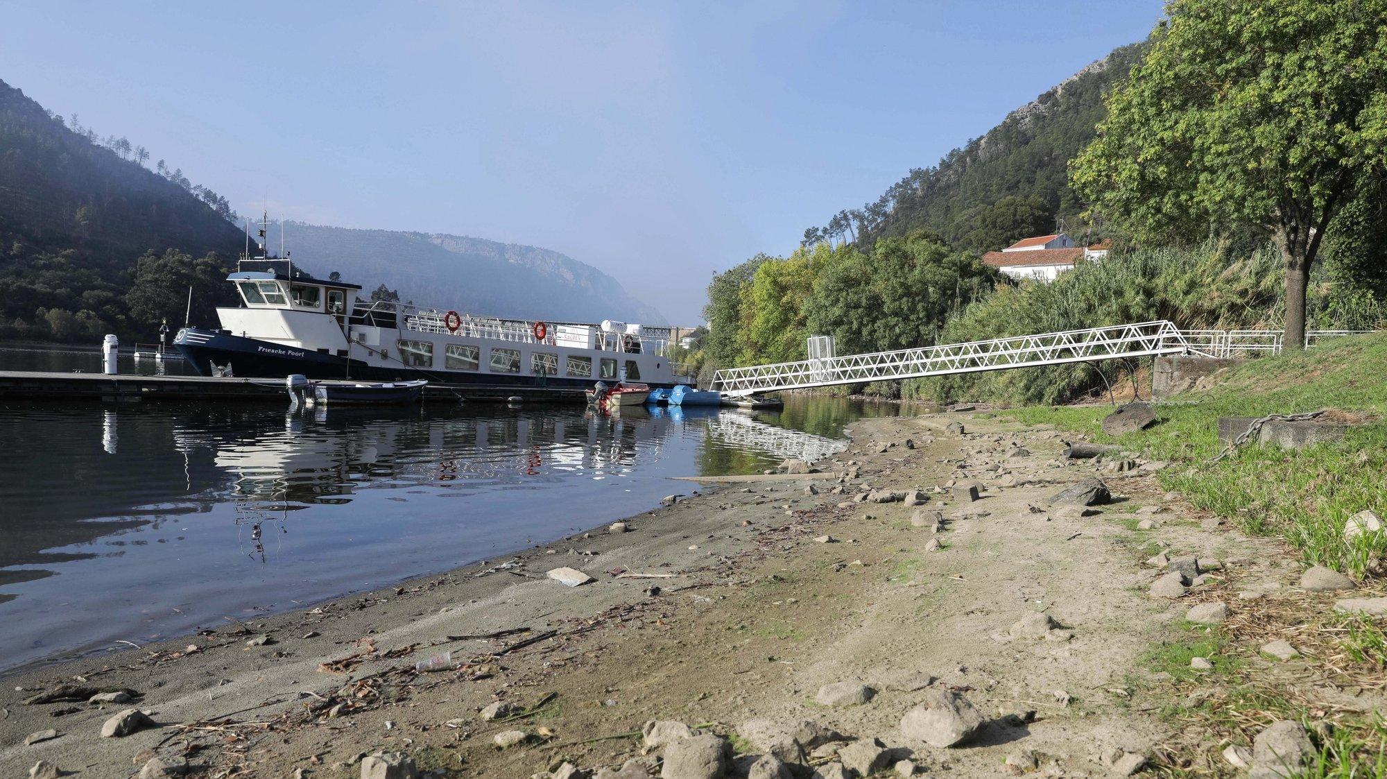 Em Vila Velha de Ródão o nível da água no rio Tejo atingiu os níveis mais baixos que foram registados nas últimas décadas, situação que afetou, sobretudo, as regiões portuguesas e espanholas do Tejo Internacional e secaram, inclusivamente alguns afluentes, como o rio Ponsul, Castelo Branco, 22 de outubro de 2019. (ACOMPANHA TEXTO DE 27/10/2019) PAULO NOVAIS/LUSA