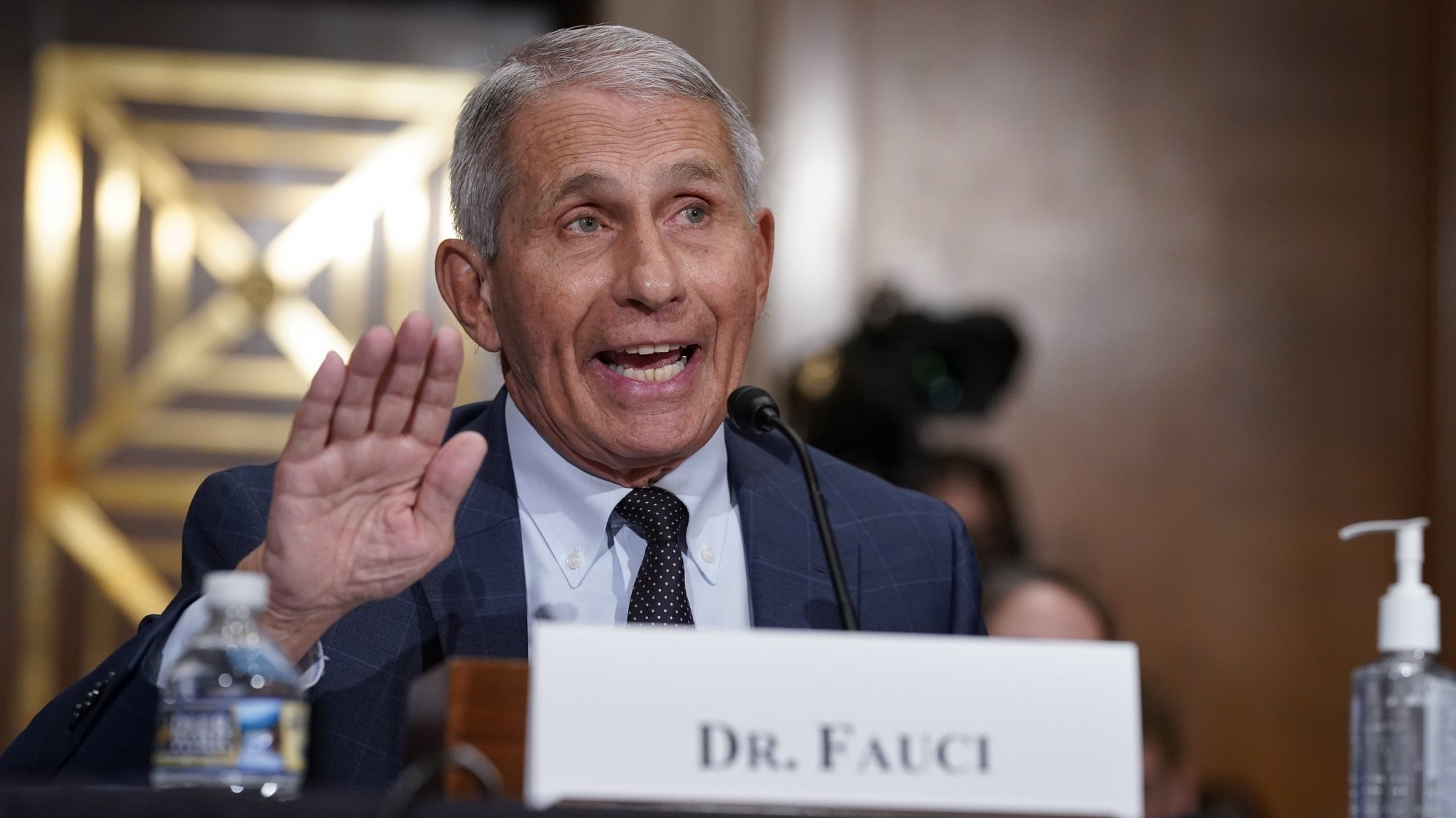 epa09355425 Anthony Fauci, director of the U.S. National Institute of Allergy and Infectious Diseases (NIAID) and the chief medical advisor to the president, during a Senate Health, Education, Labor, and Pensions Committee hearing in Washington, DC, USA, 20 July 2021.  EPA/J. Scott Applewhite / POOL
