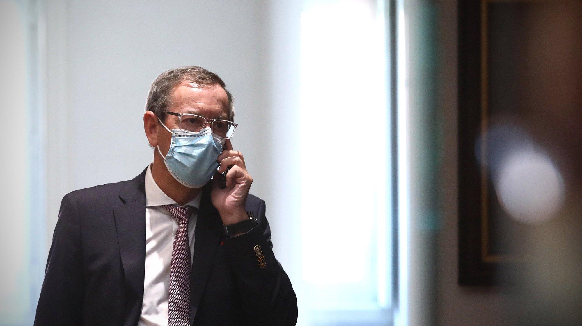 O bastonário da Ordem dos Médicos, Miguel Guimarães, no final de uma conferência de imprensa de apresentação do novo indicador de avaliação do estado da pandemia, numa parceria com o Instituto Superior Técnico, em Lisboa, 14 de julho de 2021. ANTÓNIO PEDRO SANTOS/LUSA