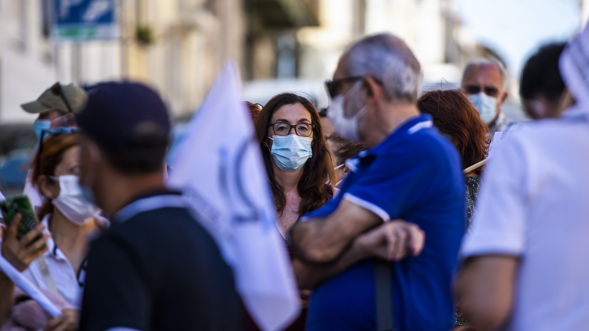Concentração de ativistas da Frente Sindical da MEO/Altice convocada pela Frente Sindical com apoio da CGTP, em protesto pelos despedimento de 300 trabalhadores da MEO/Altice, nas imediações da Residência Oficial do primeiro-ministro, em Lisboa, 16 de julho de 2021. JOSÉ SENA GOULÃO/LUSA