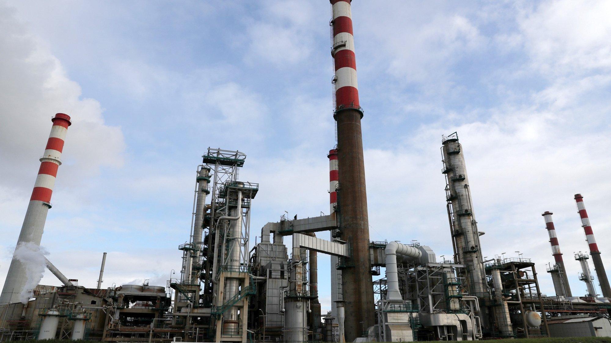 Refinaria da Petrogal em Matosinhos, 30 de dezembro de 2020. Os trabalhadores reúnem-se hoje nas instalações da empresa para participar no plenário convocado para debater o fim da refinação em Matosinhos, anunciada pela Galp, ESTELA SILVA/LUSA