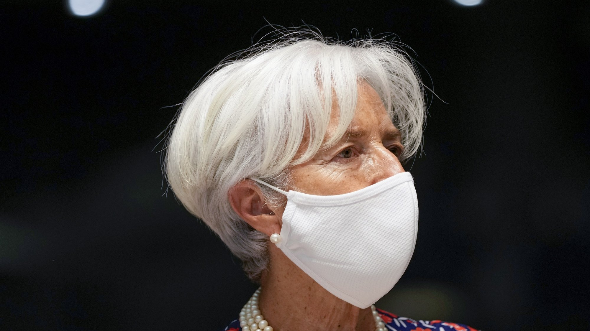 epa09279751 European Central Bank President Christine Lagarde arrives to a meeting of Eurogroup Finance Ministers at the European Council building in Luxembourg, 17 June 2021.  EPA/FRANCISCO SECO / POOL
