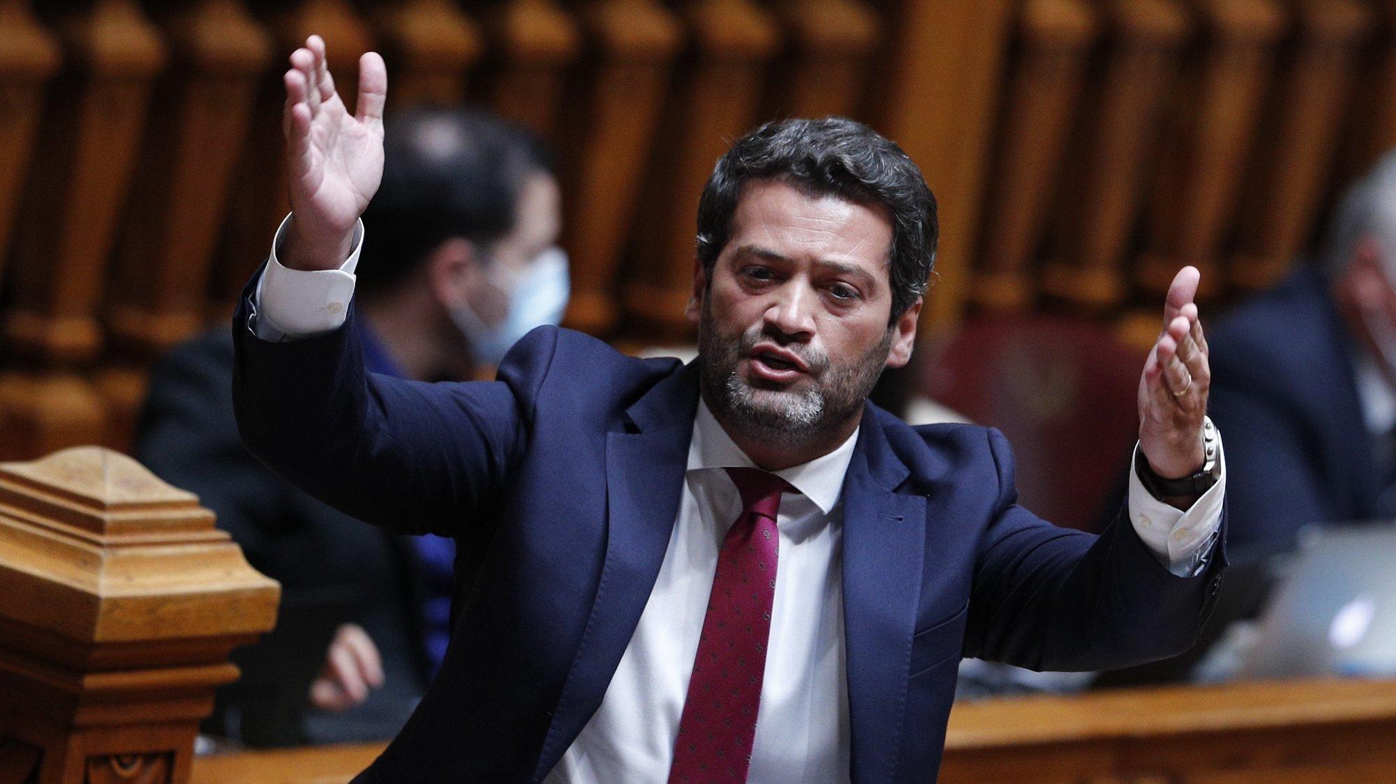 O deputado do Chega, André Ventura, intervém durante o debate parlamentar sobre o estado da Nação, na Assembleia da República, em Lisboa, 21 de julho de 2021. ANTÓNIO COTRIM/LUSA