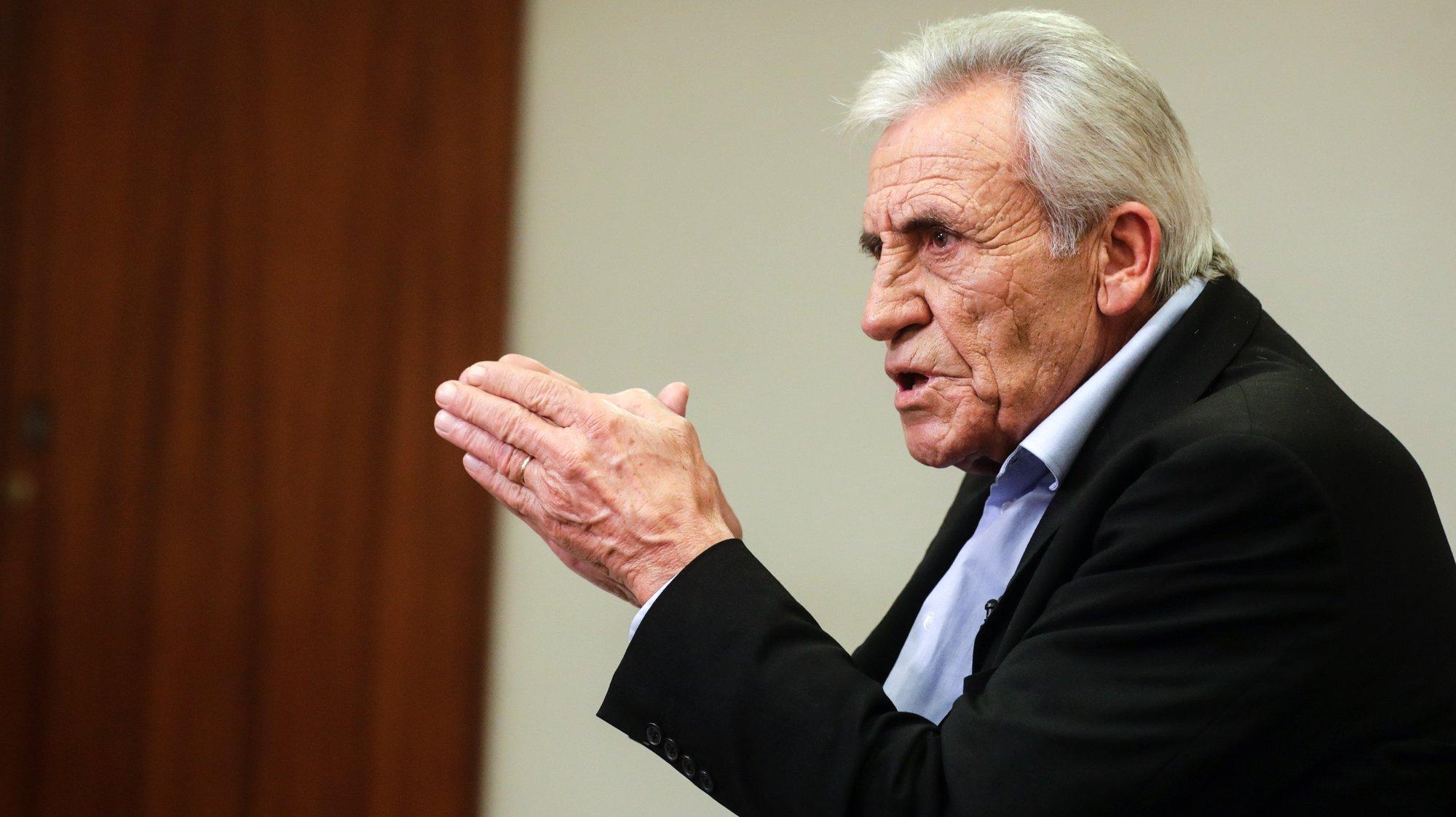 O secretário-geral do Partido Comunista Português (PCP), Jerónimo de Sousa, fala em entrevista à agência Lusa na sede do partido em Lisboa, 19 de novembro de 2020. (ACOMPANHA TEXTO DA LUSA DO DIA 22 DE NOVEMBRO DE 2020). TIAGO PETINGA/LUSA