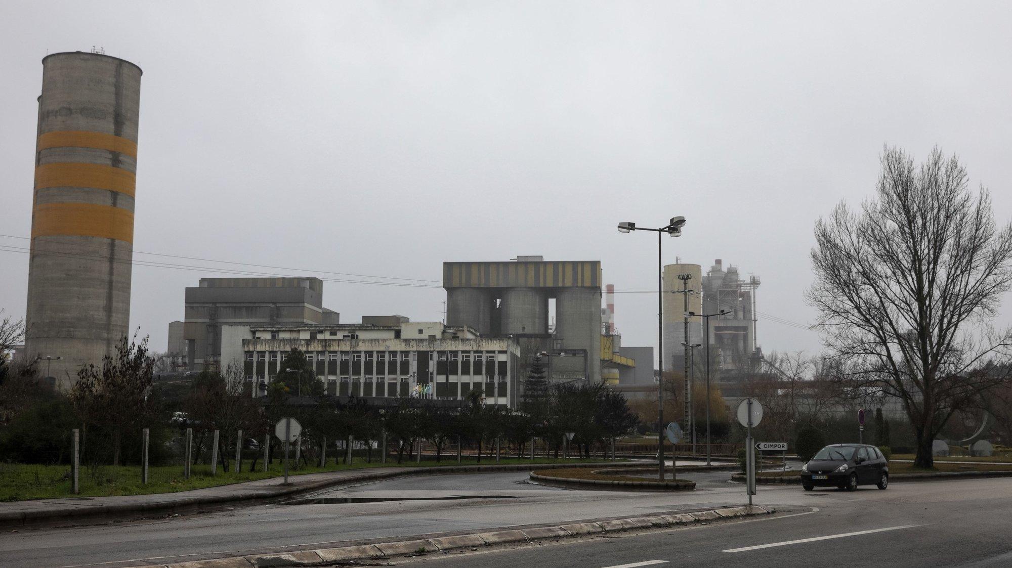 Centro de Produção da Cimpor de Souselas, onde há 10 anos começou o processo de coincineração de resíduos, Souselas, 15 de fevereiro de 2018. (ACOMPANHA TEXTO DE 21/02/2018) PAULO NOVAIS/LUSA