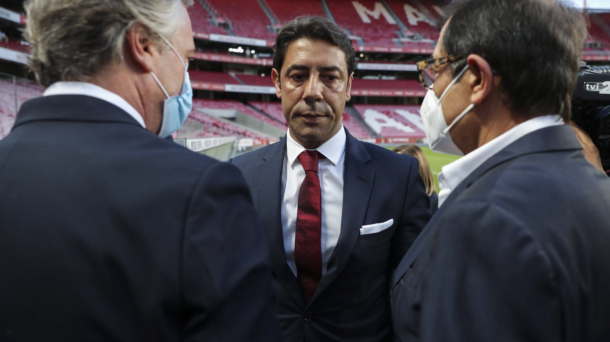 epa09334697 Former Portuguese player Rui Costa (C) is greeted by club officials after being appointed new president of Portuguese soccer club Benfica in Lisbon, Portugal. 09 July 2021. Rui Costa replaced Luis Filipe Vieira, who suspended his duties after he was detained as part of an investigation into alleged tax fraud and money laundering.  EPA/MIGUEL A. LOPES