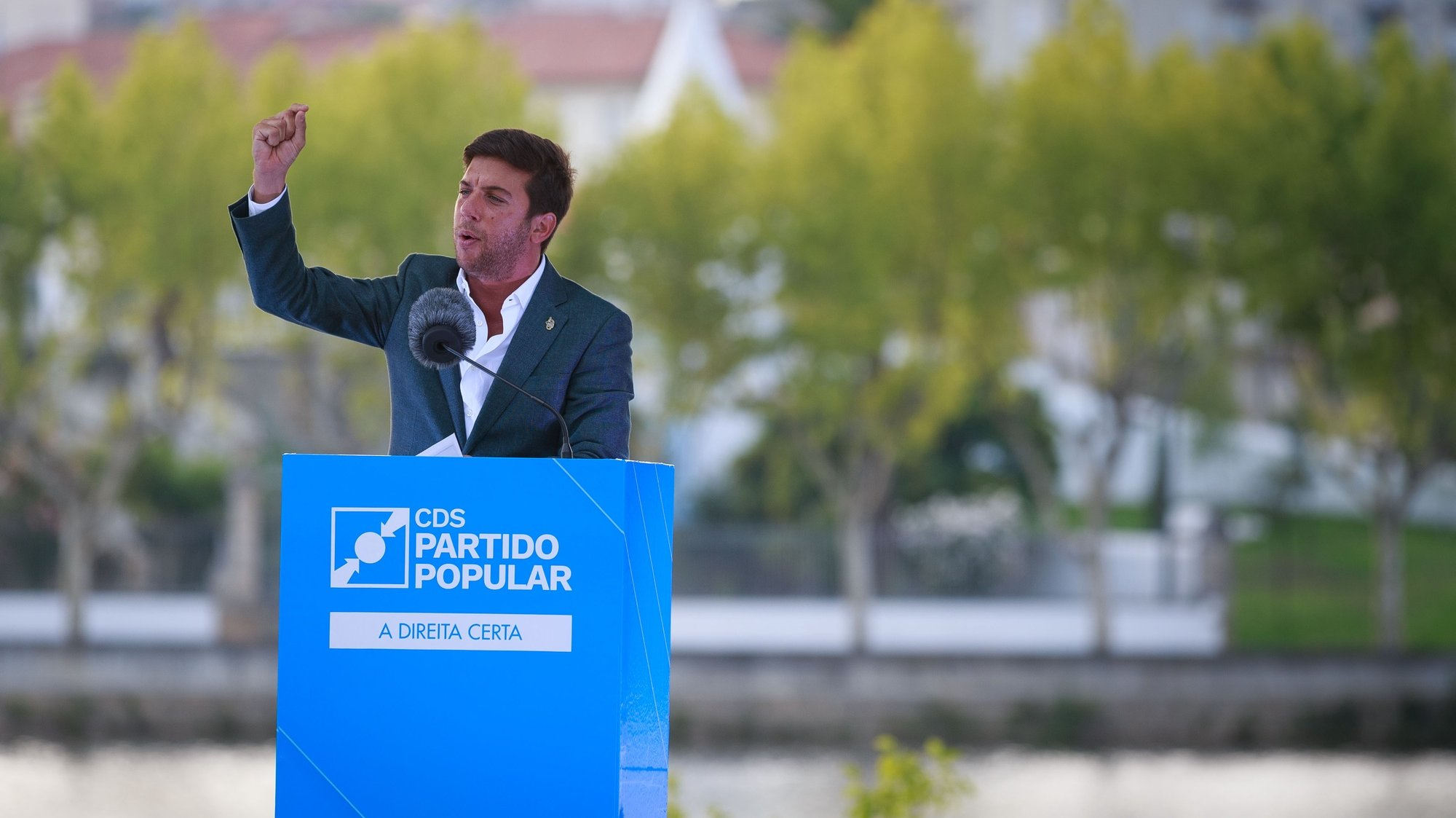 O presidente do CDS-PP, Francisco Rodrigues dos Santos, esteve esta tarde na apresentação da candidatura aut+árquica do partido à Câmara Municipal de Mirandela, 28 de agosto de 2021. PEDRO SARMENTO COSTA/LUSA