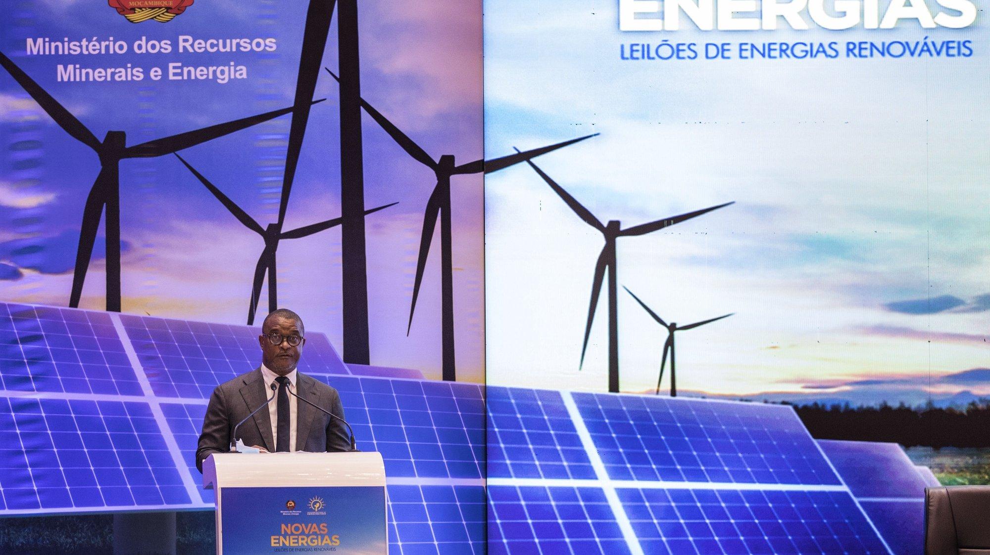 Max Tonela, ministro dos Recursos Minerais e Energia de Moçambique. discursa na cerimónia de lançamento do primeiro Leilão de Energias Renováveis em Maputo, Maçambique, 30 de setembro de 2020. O Programa de Promoção de Leilões para Energias Renováveis (PROLER) é implementado pela Agência Francesa de Desenvolvimento (AFD), em parceria com a empresa pública Eletricidade de Moçambique (EDM) e conta com o co-financiamento da União Europeia. RICARDO FRANCO/ LUSA