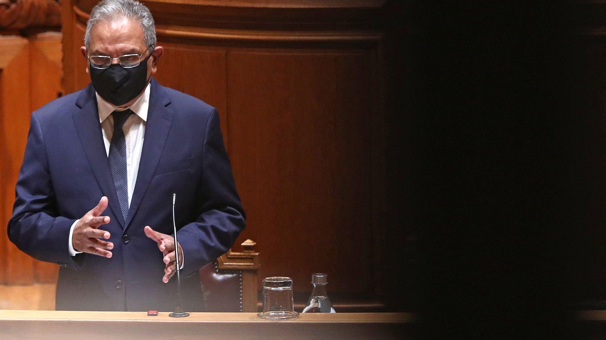 O ministro do Planeamento, Nelson de Souza fala durante a sua  audição na comissão de Orçamento e Finanças, no âmbito da apreciação, na especialidade do Orçamento do Estado para 2021, na Assembleia da República, em Lisboa, 30 de outubro de 2020. ANTÓNIO PEDRO SANTOS/LUSA