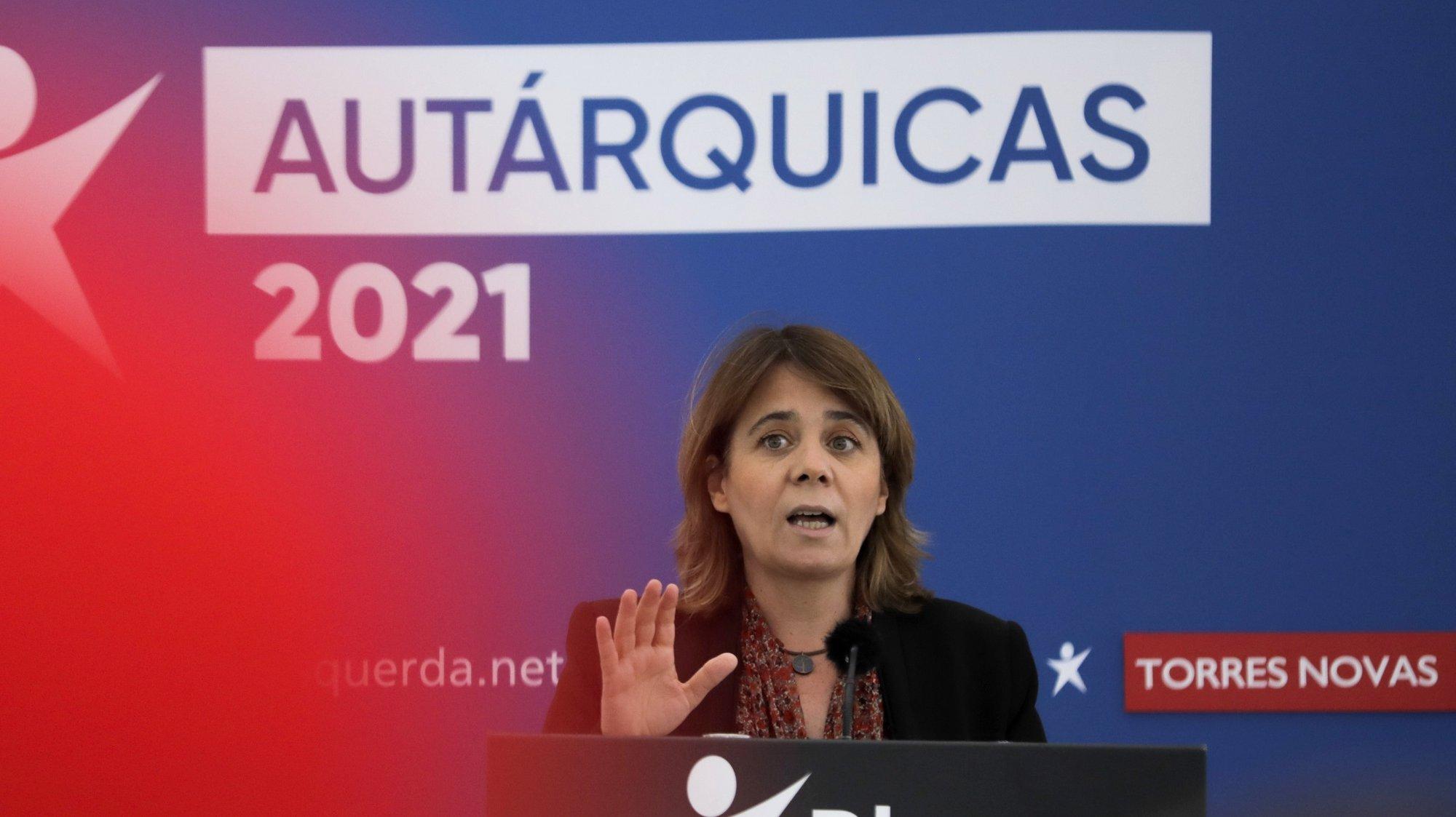 A coordenadora nacional do Bloco de Esquerda (BE), Catarina Martins, participa na apresentação da candidatura autárquica de Helena Pinto à Câmara Municipal de Torres Novas, 20 de junho de 2021. PAULO CUNHA /LUSA