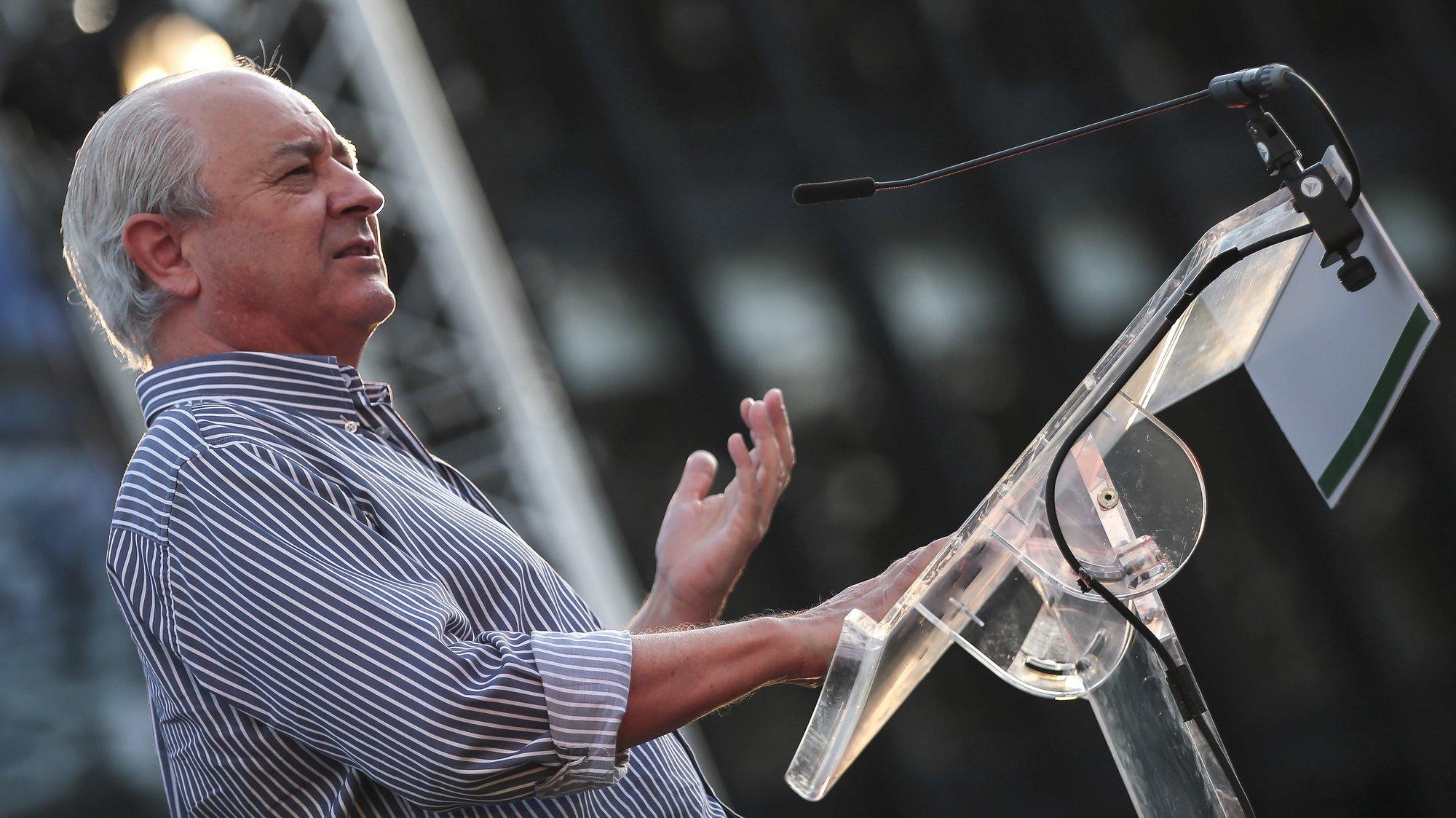 O presidente do Partido Social Democrata (PSD), Rui Rio, discursa durante ação de apresentação dos candidatos à Câmara Municipal de Barcelos, pela coligação PSD/BTF/CDS-PP 'Barcelos Mais Futuro', em Barcelos, 05 setembro 2021. MANUEL FERNANDO ARAÚJO/LUSA