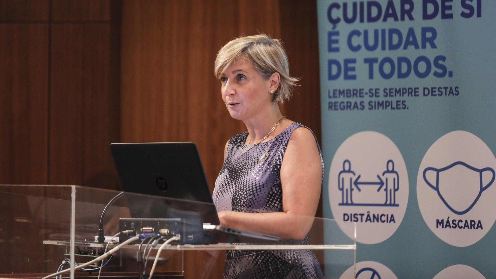 A ministra da Saúde, Marta Temido intervém na 23ª sessão sobre a evolução da Covid-19 em Portugal no Infarmed, Lisboa, 16 de setembro de 2021. MIGUEL A. LOPES/LUSA