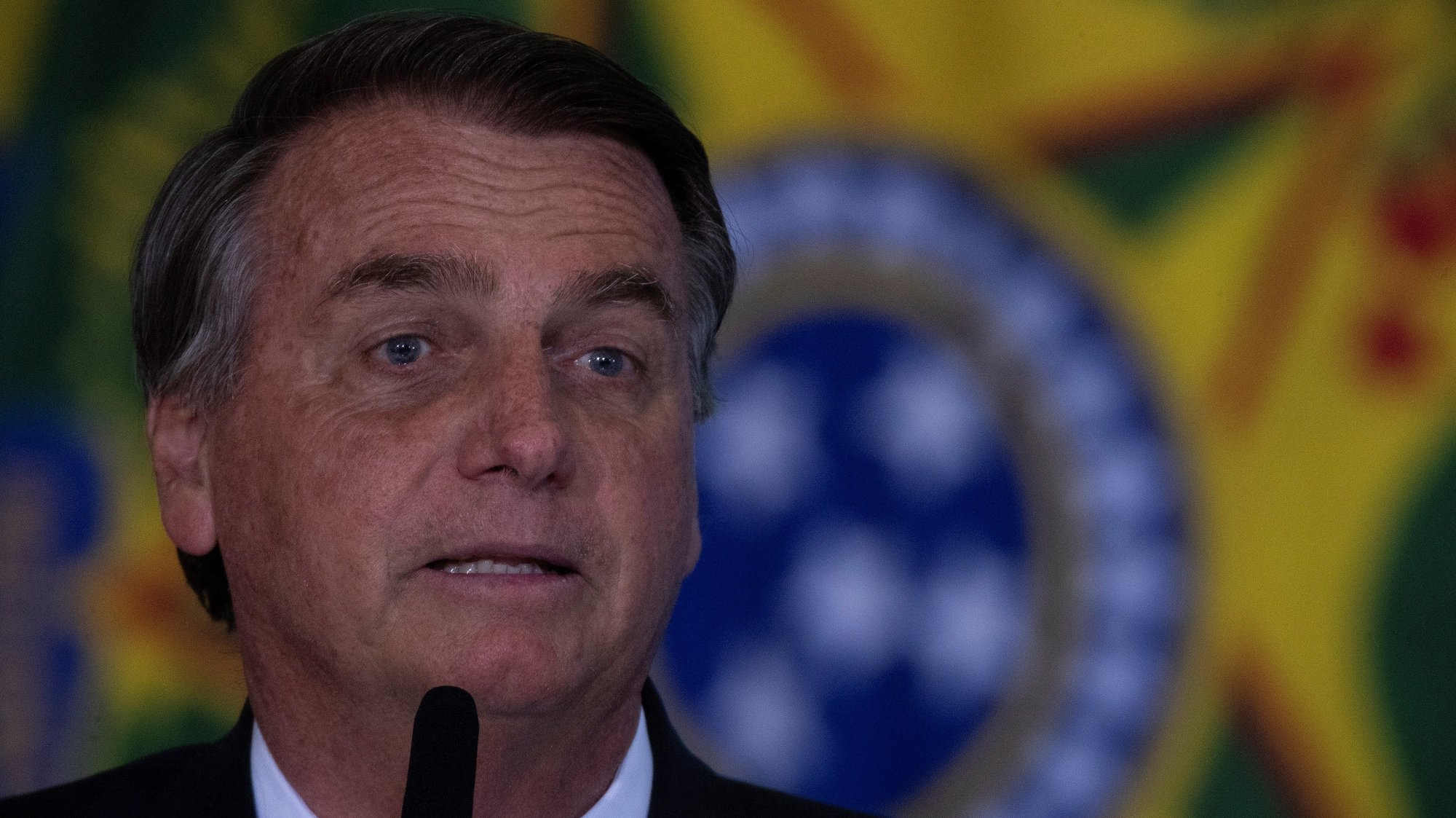 epa09431372 The President of Brazil Jair Bolsonaro participates in an act in honor of the National Volunteer Day, at the Palacio do Planalto, in Brasilia, Brasilia, 26 August 2021. Bolsonaro stated this 26 August that a favorable decision by the Supreme Court on the 'ancestral' right to land defended by indigenous peoples 'will end' the country's agribusiness, one of the world's largest producers and exporters of food.  EPA/Joedson Alves