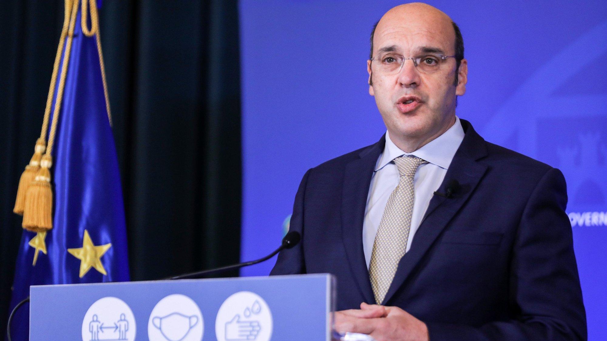 O ministro de Estado, da Economia e Transição Digital,  Pedro Siza Vieira, intervém na sessão de apresentação das medidas de apoio ao emprego e às empresas aprovadas em Conselho de Ministros, em Lisboa, 12 de março de 2021. MIGUEL A. LOPES/LUSA
