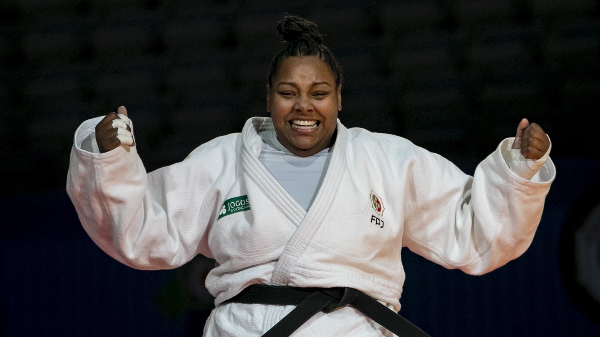 epa08834223 Rochele Nunes of Portugal celebrates winning the bronz medal bout in the women's +78kg category at the European Judo Championships in Prague, Czech Republic, 21 November 2020.  EPA/MARTIN DIVISEK hm