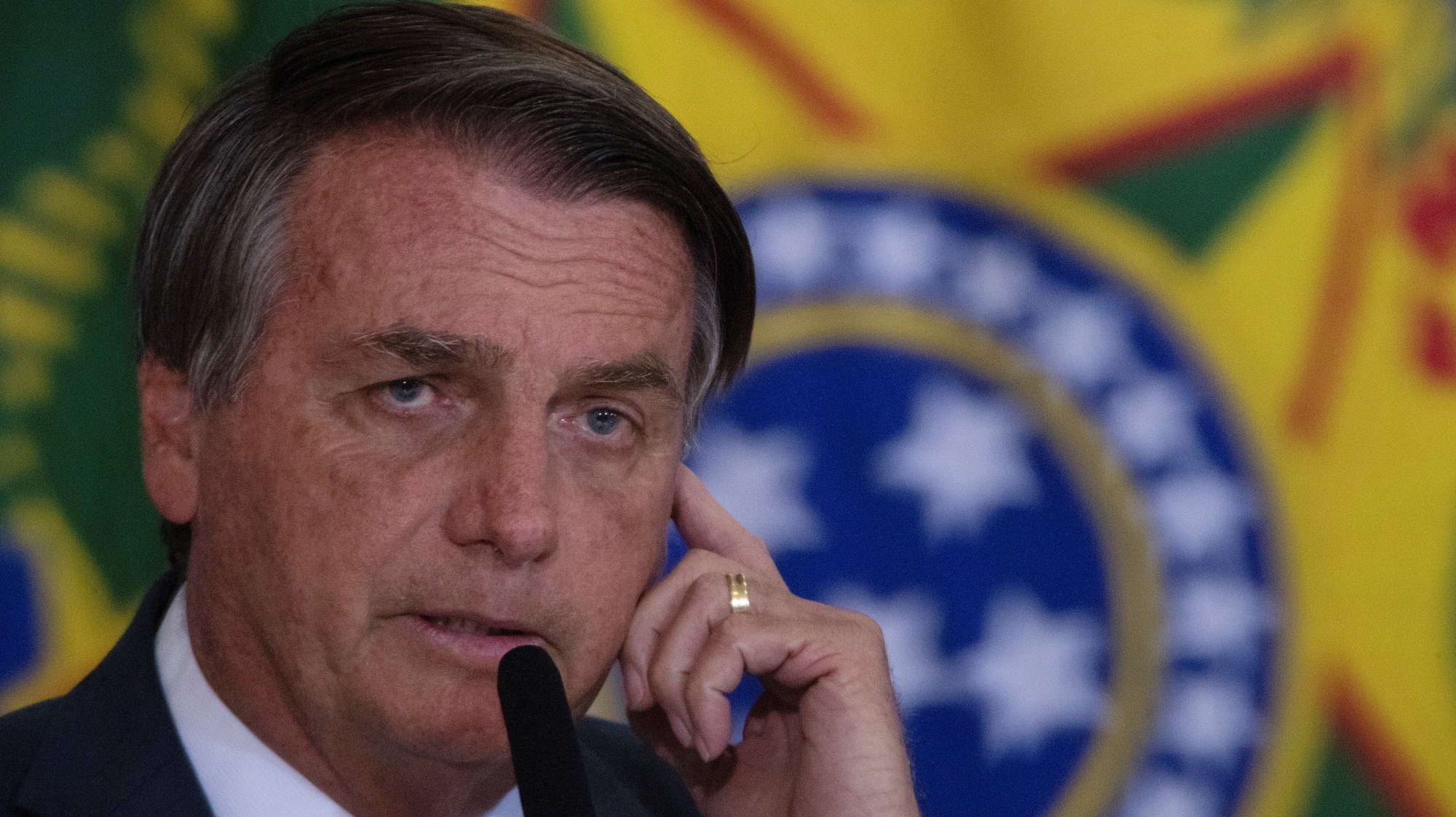 epa09466474 The President of Brazil, Jair Bolsonaro, participates in a launch ceremony of the Safe Habite Program, in Brasilia, Brazil, 13 September 2021. Brazilian President Jair Bolsonaro announced a housing financing program aimed at police officers and public security personnel, of whom he said that 'every day they risk their lives' for the whole of society.  EPA/Joedson Alves