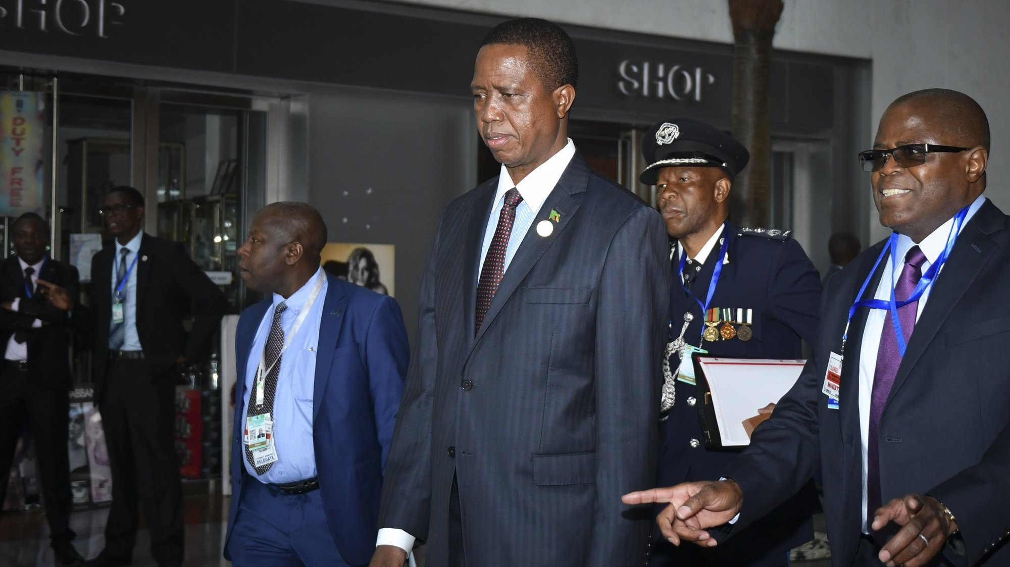 epa07358386 President of Zambia Edgar Lungu (C) arrives to attend the 32nd African Union Summit in Addis Ababa, Ethiopia, 10 February 2019. African heads of state and business leaders are gathering in Ethiopian capital for a two-day summit under the theme 'Refugees, Returnees and Internally Displaced Persons: Towards Durable Solutions to Forced Displacement in Africa'.  EPA/STRINGER