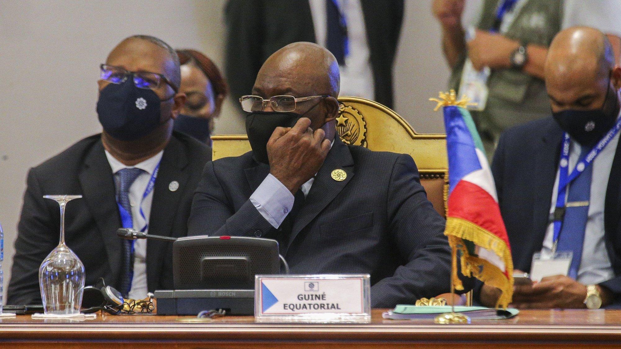 O ministro dos Assuntos Exteriores da Guiné-Equatorial, Simeón Oyono Esono Angue, durante a XIII Conferência de Chefes de Estado e de Governo da Comunidade dos Países de Língua Portuguesa (CPLP), em Luanda, Angola, 17 de julho de 2021. AMPE ROGÉRIO/LUSA