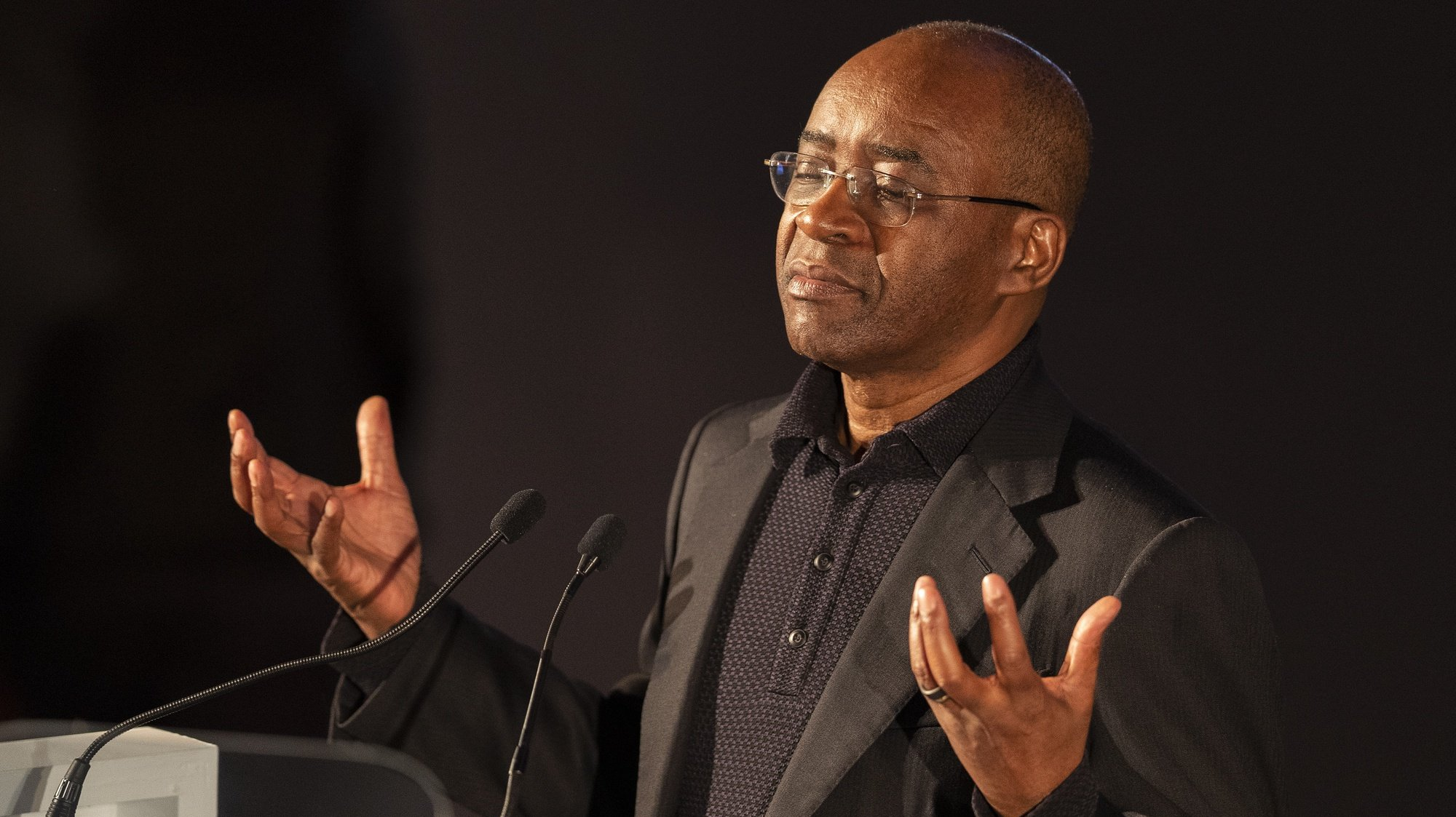epa07904301 Tech billionaire Strive Masiyiwa speaks during the 9th Annual Desmond Tutu International Peace Lecture at the Cape Town City Hall, South Africa 07 October 2019. Archbishop Emeritus Desmond Tutu celebrates his 88th birthday on 07 October. The lecture by Zimbabwean-born businessman and philanthropist, Strive Masiyiwa, focused on one of the critical struggles of our time: Overcoming corruption and restoring citizen trust, locally and globally.  EPA/NIC BOTHMA