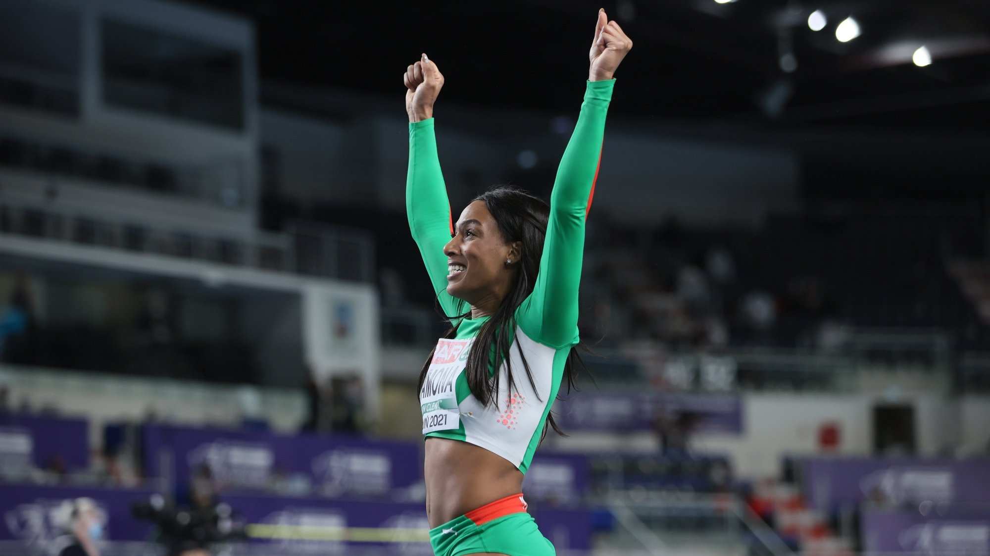 epa09060352 Patricia Mamona of Portugal poses for a photo after the women's triple jump final at the 36th European Athletics Indoor Championships at the Arena Torun, in Torun, north-central Poland, 07 March 2021.  EPA/Leszek Szymanski POLAND OUT