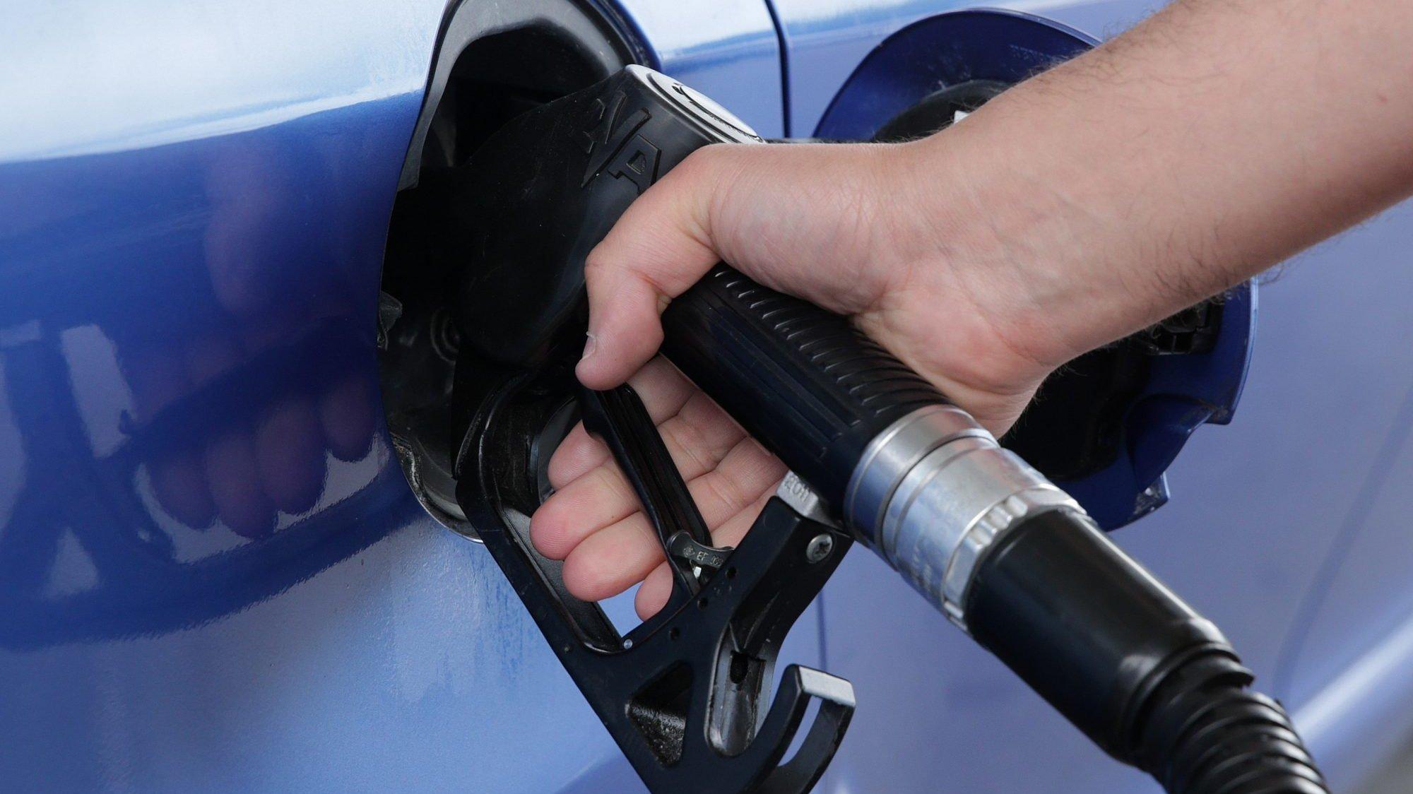Abastecimento de combustível - foto genérica