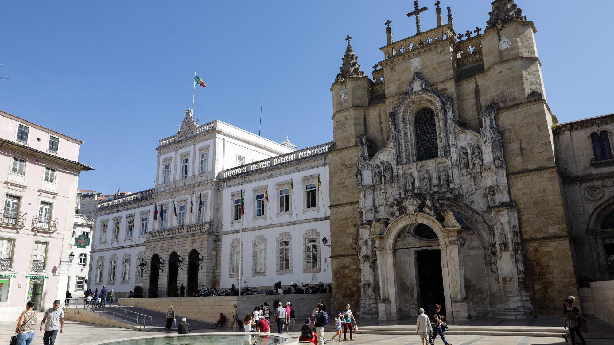 Edifício da Câmara Municipal de coimbra e Igreja de Santa Cruz, em Coimbra 12 de setembro de 2017. PAULO NOVAIS/LUSA